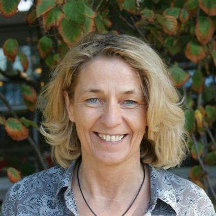 Birgit Schulz, Sekretärin